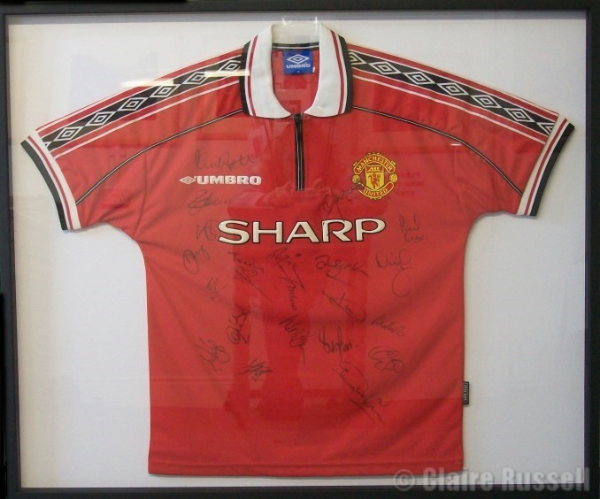Manchester Utd T-shirt in box frame